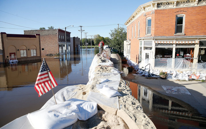 Iowa Prepares for Floods as Waters Inch Toward 23