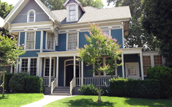 Here's How Much It Would Cost to Live in Stars Hollow