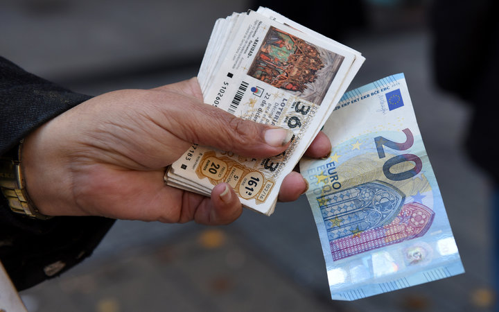 Hundreds of People Just Won Spain's $2.4 Billion Christmas Lottery