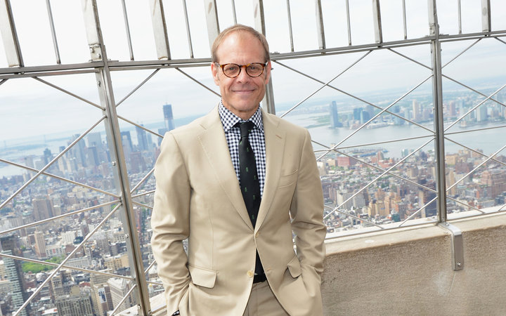 Alton Brown to Open a Coffee Shop
