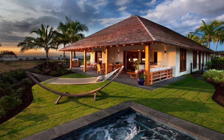 Tour the exclusive, $25,000-a-year club where the A-List vacation in Hawaii