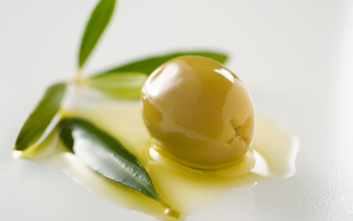 15 amazing things you never knew you could do with olive oil
