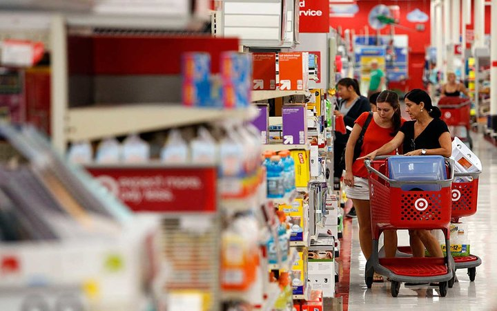 Shoppers inside the Target Corp. Store in Torrance, California, U.S., on Tuesday, August 20, 2013. Target is expected to announce quarterly earnings results on Aug. 21, 2013. Photographer: Patrick T. Fallon/Bloomberg via Getty Images