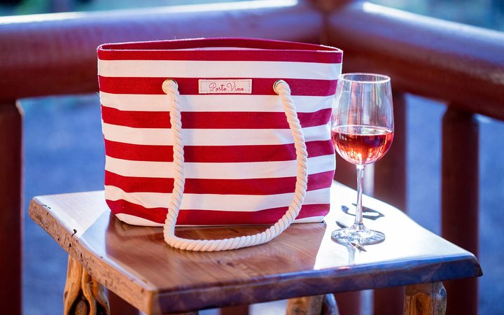 Bella Vita Wine Dispenser Beach Bag