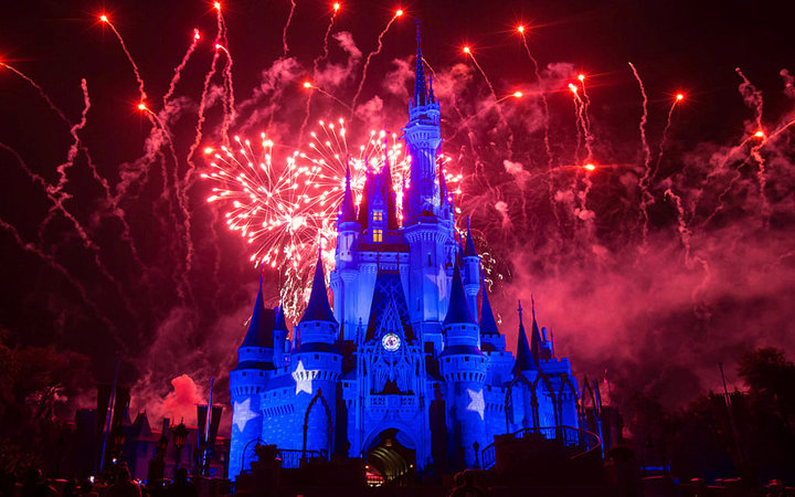 ORLANDO, US - JANUARY 20: Fireworks explode over the Cinderella Castle at The Magic Kingdom, part of Disney World on January 20, 2017 in Orlando, Florida, US.  (Photo: Vanessa Carvalho/Brazil Press Photo/LatinContent/Getty Images)