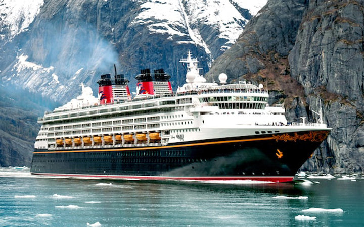 Disney Cruise Line: Wonder Ship