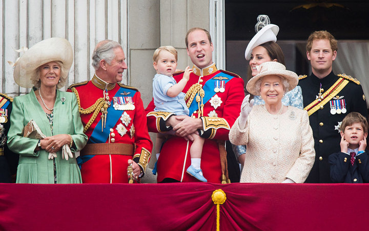 LONDON, ENGLAND - JUNE 13:  (L-R) Camilla, Duchess of Cornwall, Prince Charles, Prince of Wales, Prince George of Cambridge, Prince William, Duke of Cambridge Catherine, Duchess of Cambridge, Queen Elizabeth II and Prince Harry  look on from the balcony d