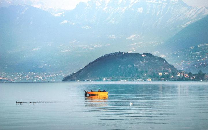 A boat in Lake Iseo