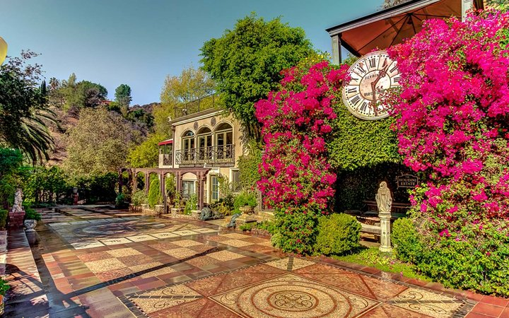 houdini estate los angeles california airbnb rental travel holiday