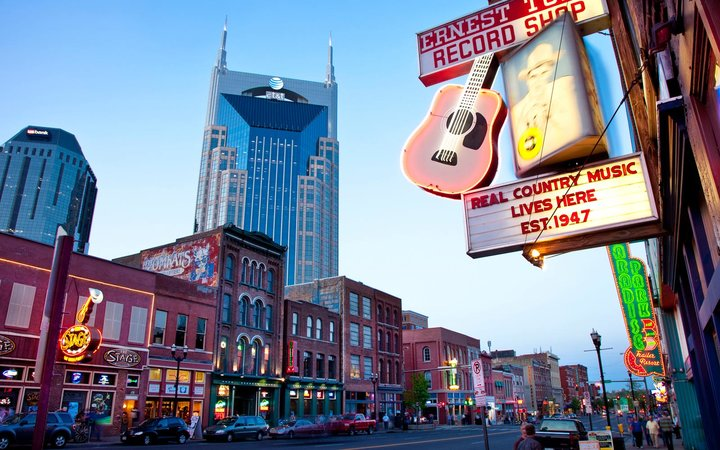 Downtown, Lower Broadway, Nashville, Tennesse