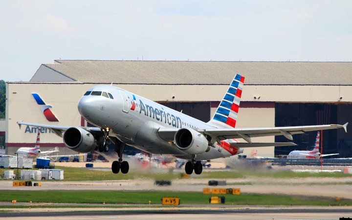 American Airlines A319 taking off at Charlotte Douglas International Airport