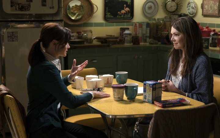 Alexis Bledel, Lauren Graham  Gilmore Girls: A Year In The Life Season 1
