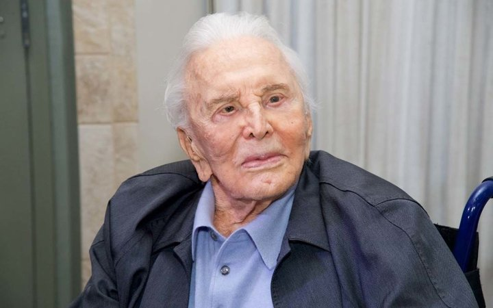 Actor Kirk Douglas attends the 25th Anniversary Of The Anne Douglas Center at Los Angeles Mission