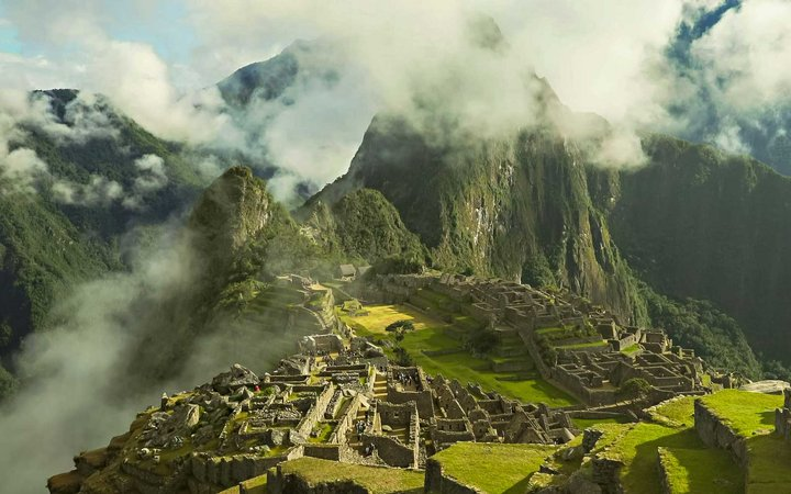 Machu Picchu threatened by Airport