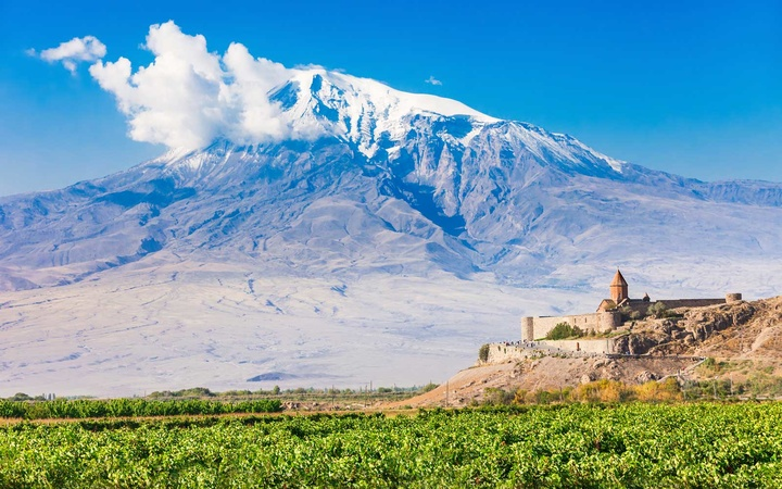 The Khor Virap is an Armenian monastery located in the Ararat plain in Armenia, near the border with Turkey.