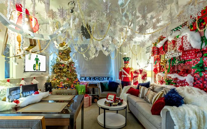 Wyndham New York Elf Holiday Suite