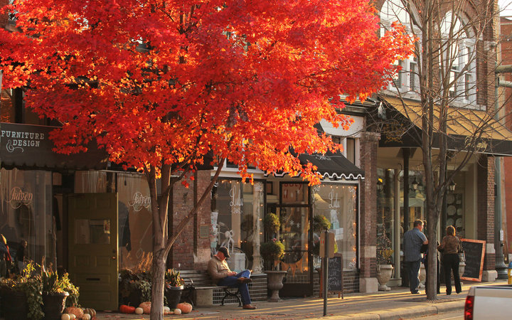 main street during autumn in  Franklin, Tennessee