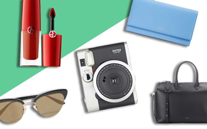 Gifts for women who love to travel
