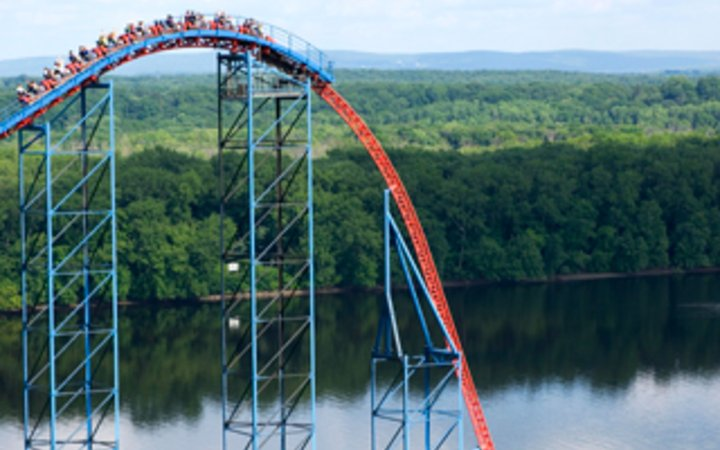 Superman Ride of Steel Six Flags New England Agawam ...