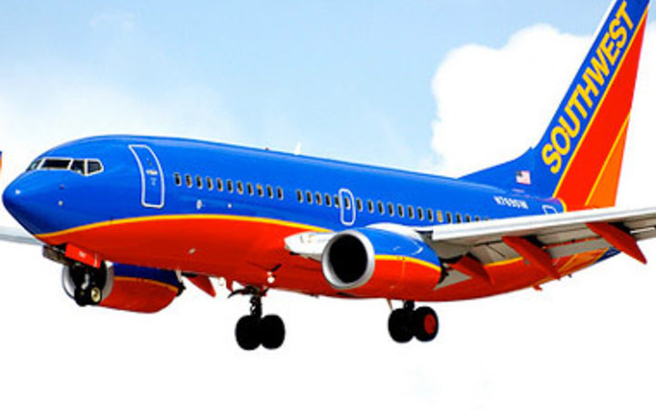 southwest airlines 2002 under siege Southwest airlines 2002: an industry under siege southwest airlines is the largest airline measured by number of passengers carried each year within the united states.