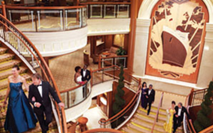 Cunard Line, Queen Elizabeth, cruise, formal night, staircase