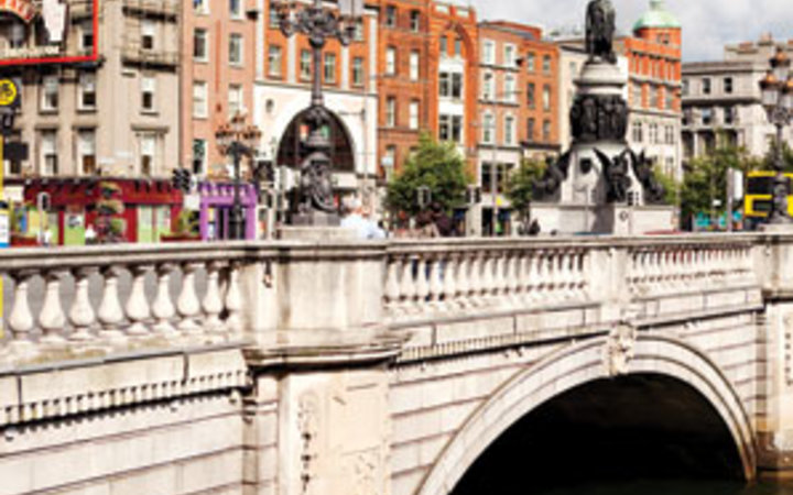 The Spirit of Dublin, Dublin, Ireland, the O'Connell Bridge