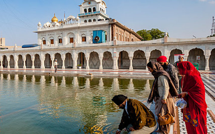 Top Religious Sites in Delhi