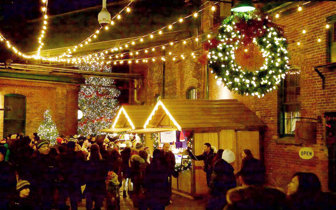 Distillery District Christmas Market in Toronto