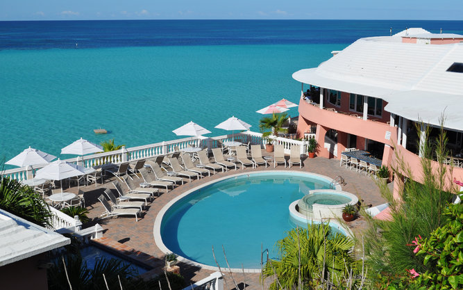 Pompano Beach Club Hotel in Bermuda