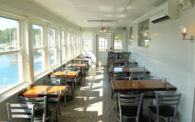 Two Ten Oyster Bar & Grill Restaurant in Rhode Island