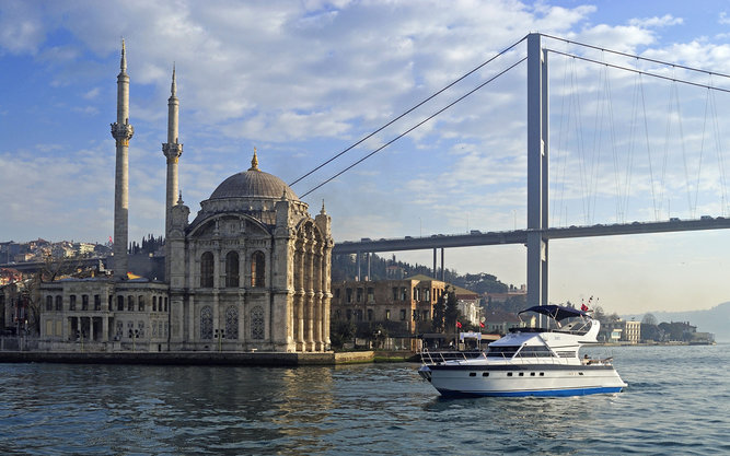 Zoe Yacht Cruises in Istanbul
