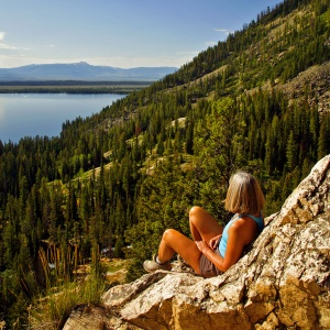 Best day hikes in grand teton national park near jackson for Best places to eat in jackson wy
