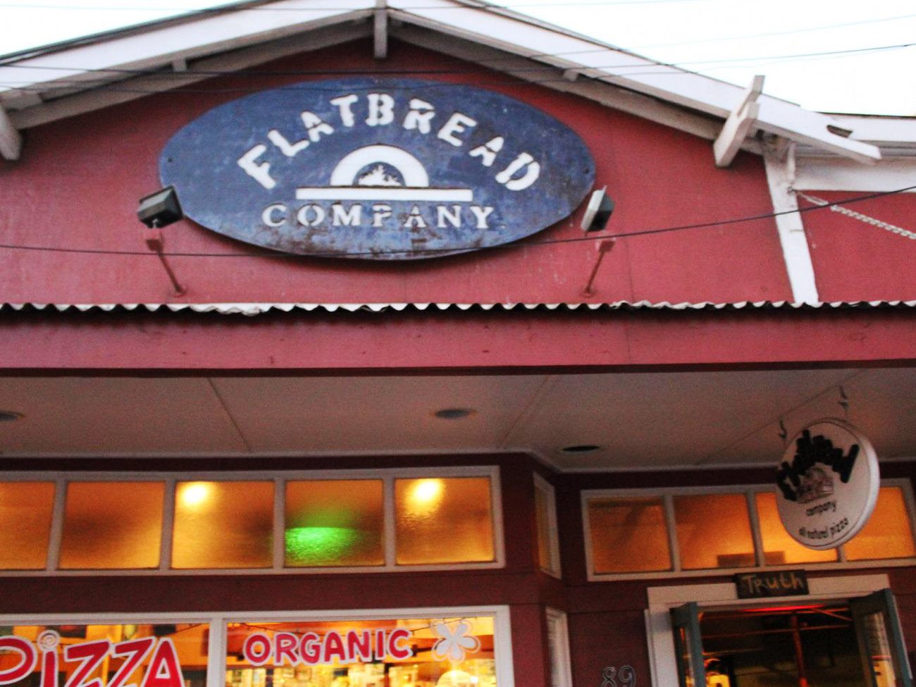 Flatbread Pizza Company Restaurant in Maui