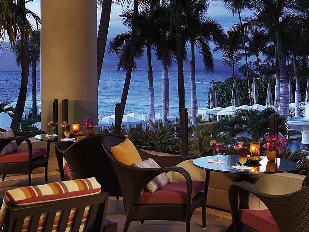 Lobby Lounge at The Four Seasons Bar in Maui