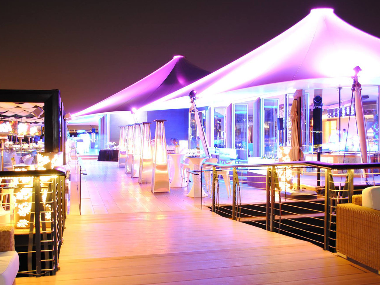 101 Dining Lounge and Bar Restaurant in Dubai