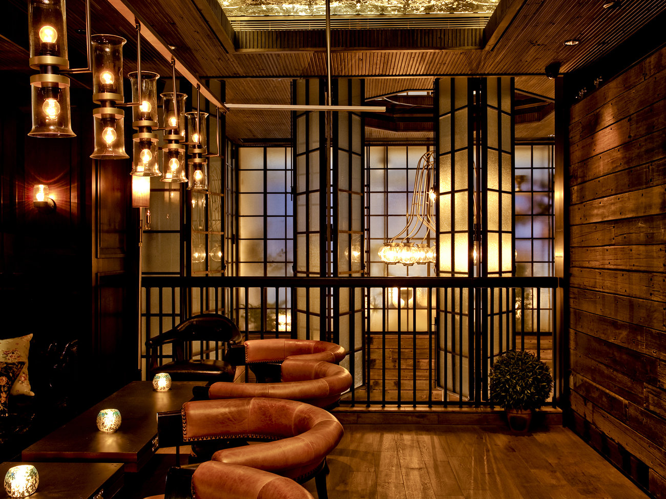 Lily & Bloom Bar in Hong Kong