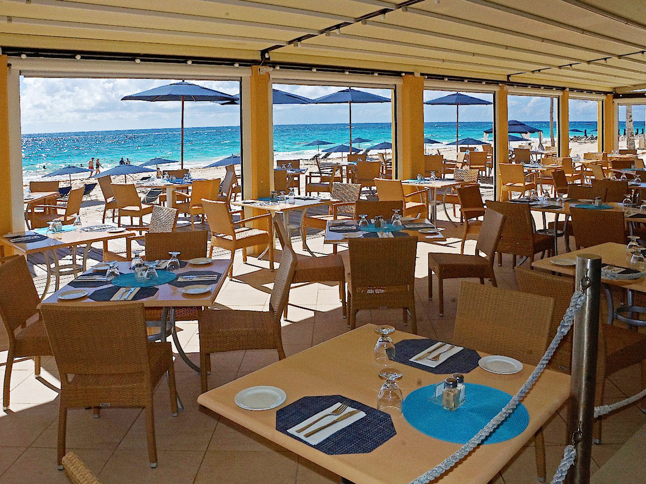 Mickey's Beach Bistro Restaurant in Bermuda