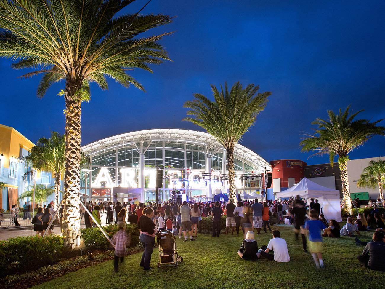 Artegon Marketplace Shopping Center in Orlando
