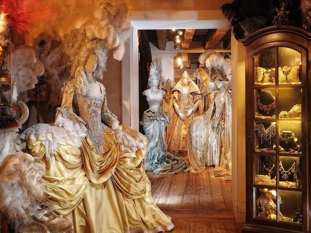 Antonia Sautter Clothing Store in Venice