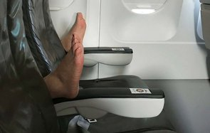 Feet Armrest JetBlue Airplane Flight Bad Etiquette