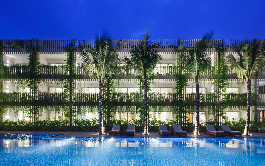 The Naman Retreat'S Living Wall In Vietnam | Travel + Leisure