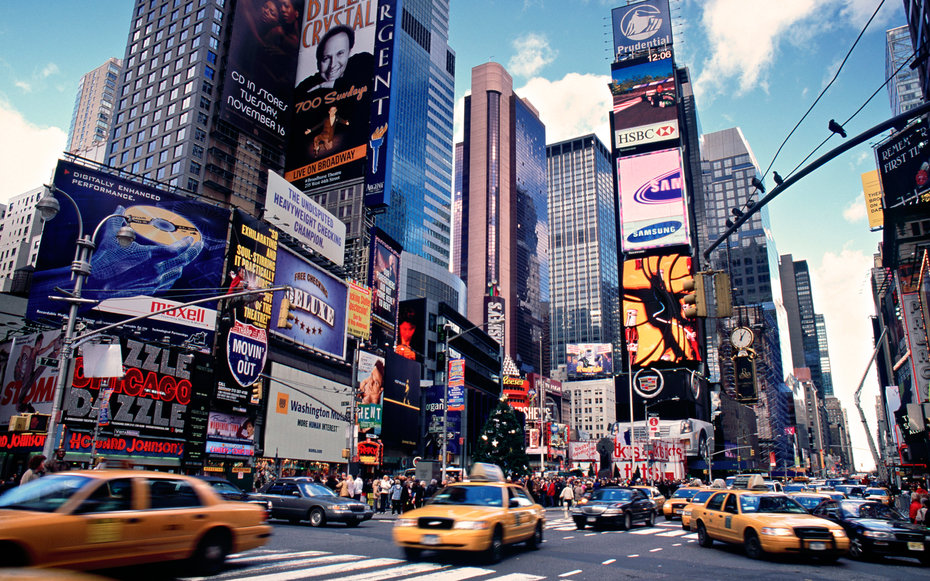 Where to eat in new york city 39 s times square travel for Top ten attractions new york