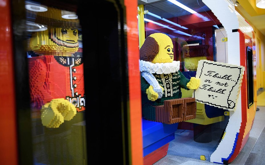 The World's Biggest Lego Store in London is a Toy Lover's Dream ...