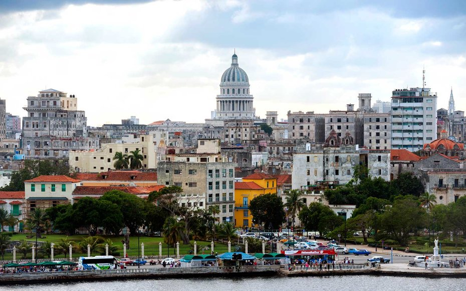 American Air launches non-stop flight from Charlotte to Cuba