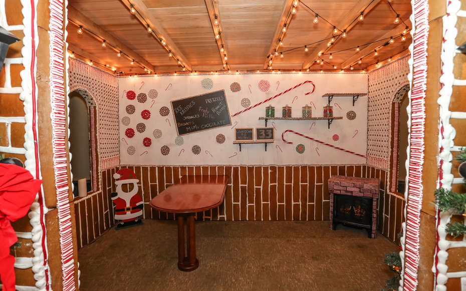 Life-sized Gingerbread House Interior