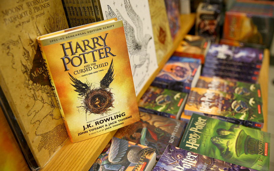 http://cdn-image.travelandleisure.com/sites/default/files/styles/tnl_redesign_article_landing_page/public/1480624079/harry-potter-BOOKS1216.jpg