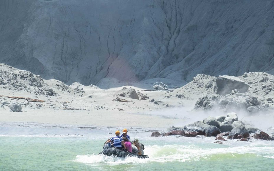 Volcano eruption in New Zealand kills at least 5 tourists