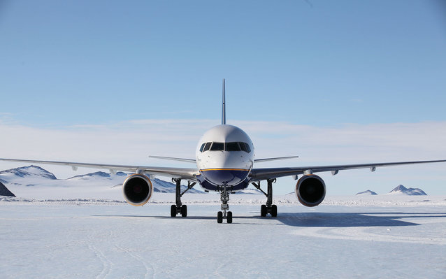 commercial flights to antarctica