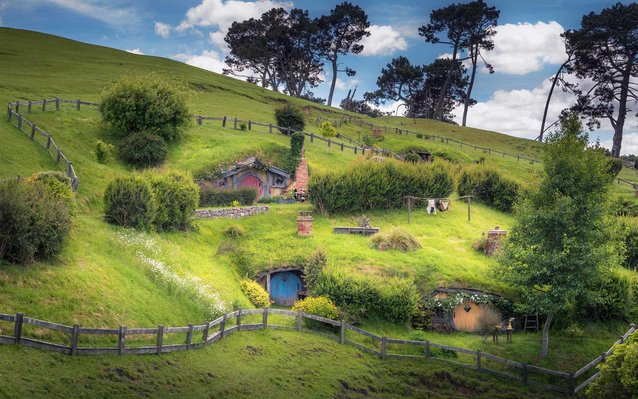 Hobbit-fueled tourism New Zealand's top foreign-cash source