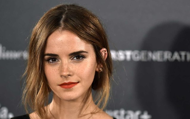 Emma Watson Hid Copies Of Books On London Underground